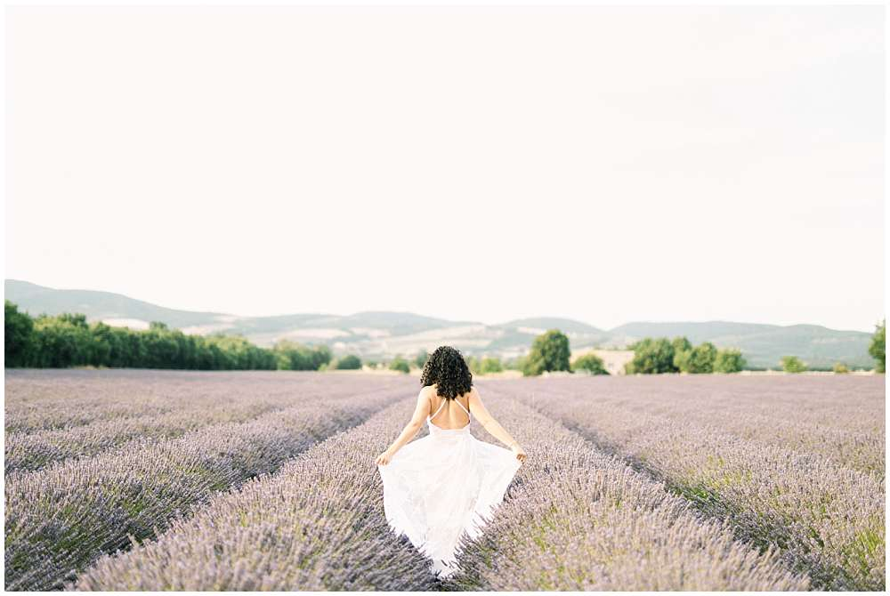 engagement session in lavender provence